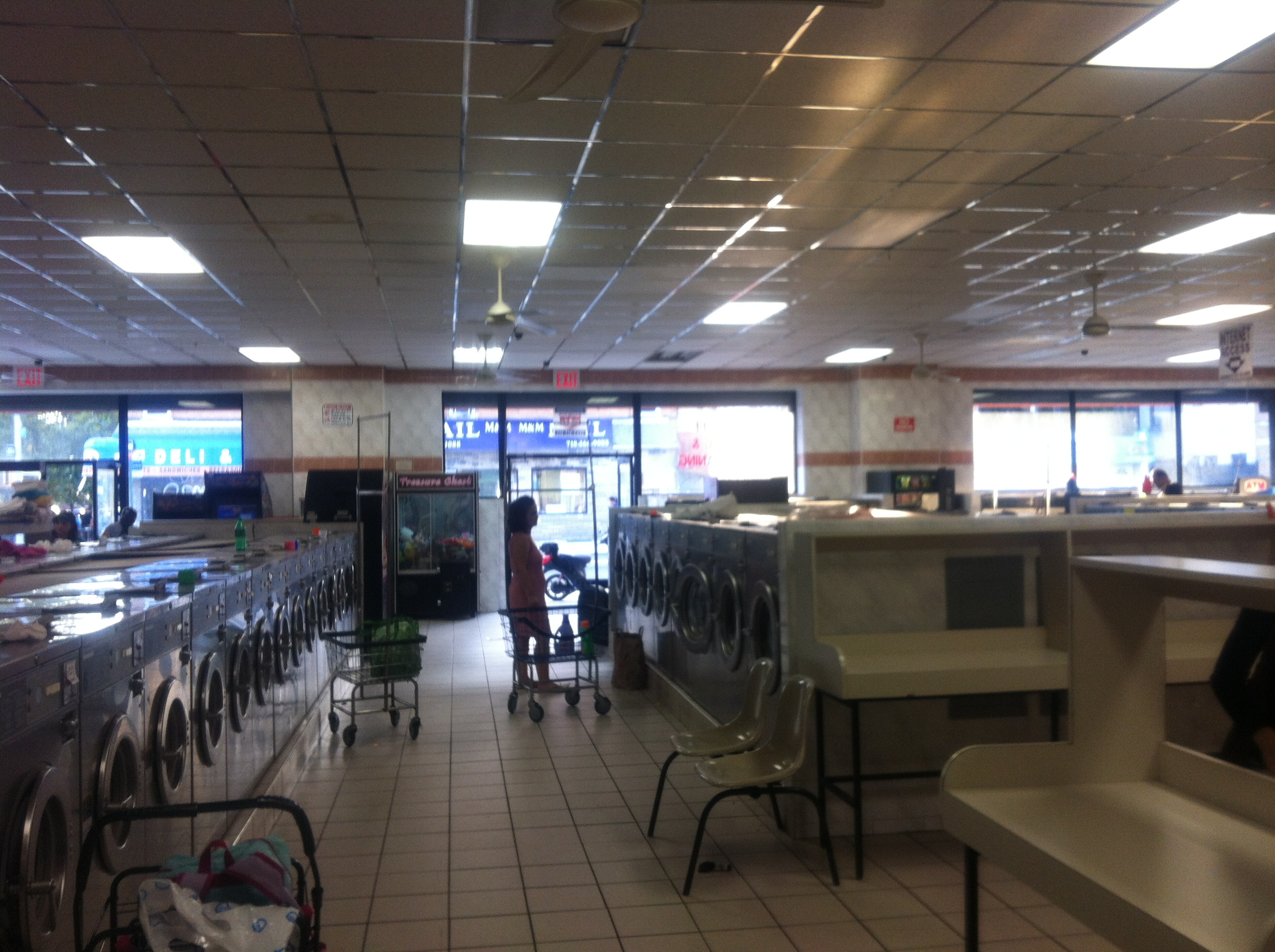 Laundromat – Queens ==== SOLD!!!!