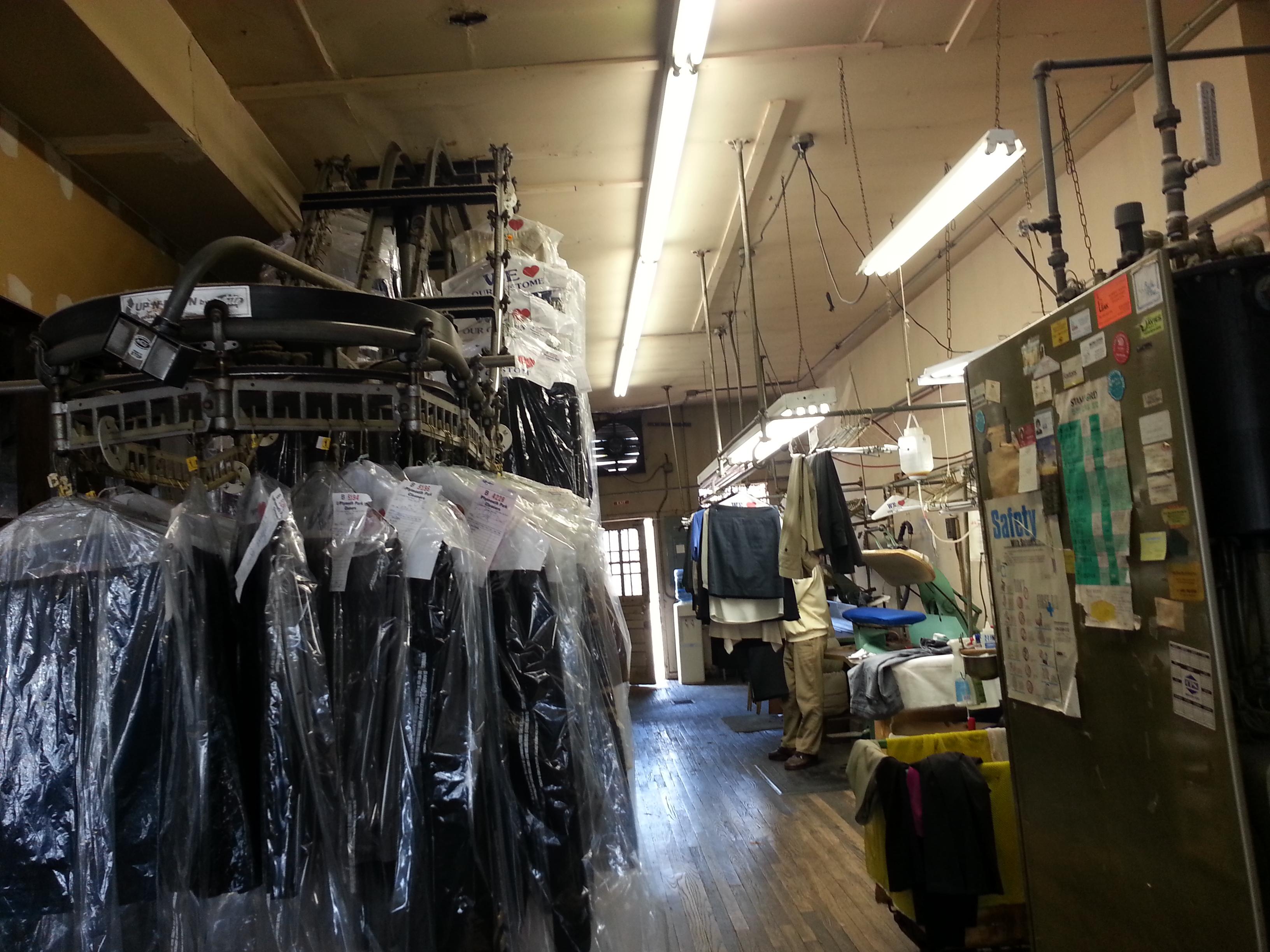 cleaners  曼哈顿干洗店 (年营业额为61万,业主想退休而转让)