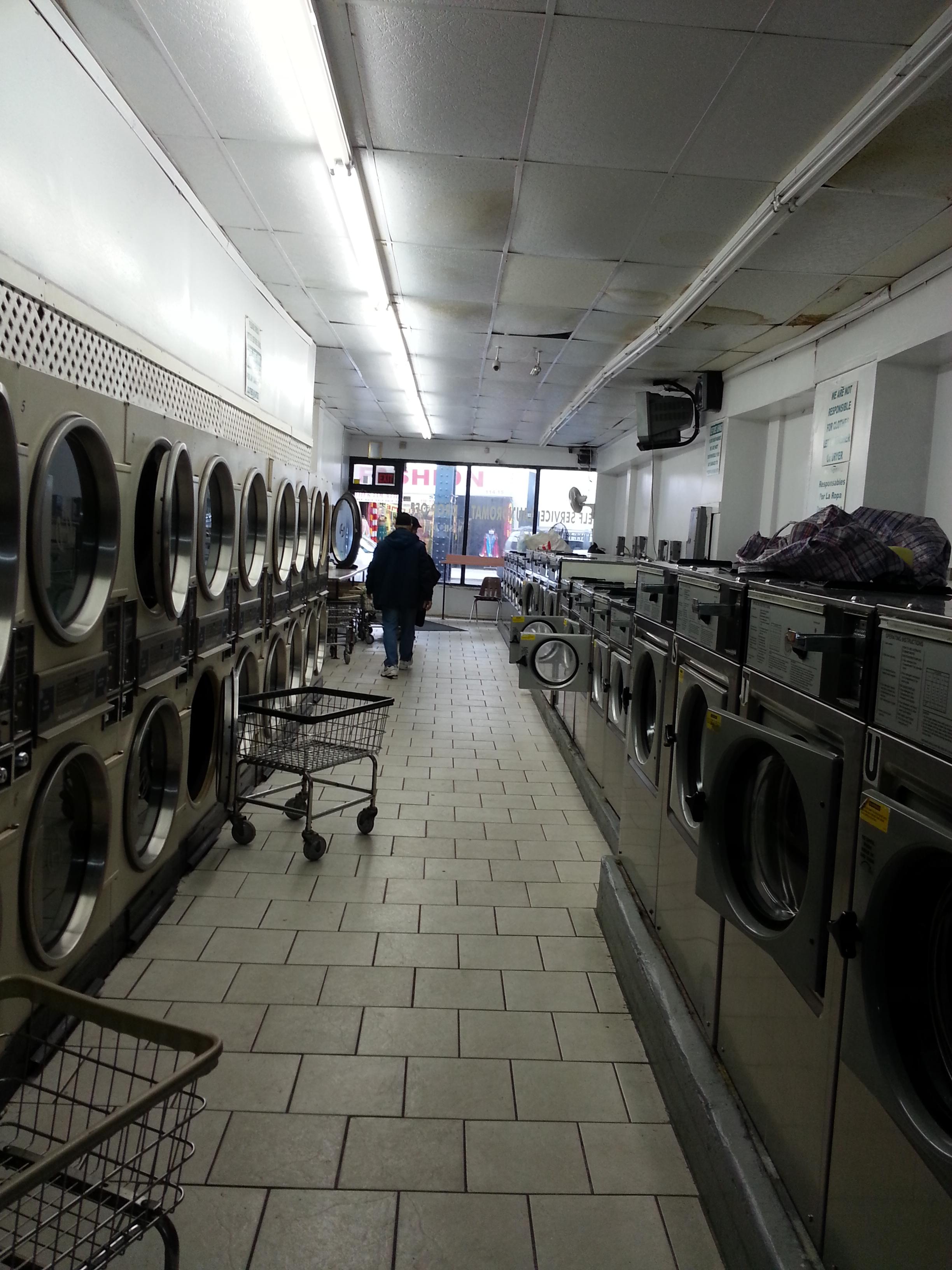 Laundromat (런드로멧) – 맨허튼