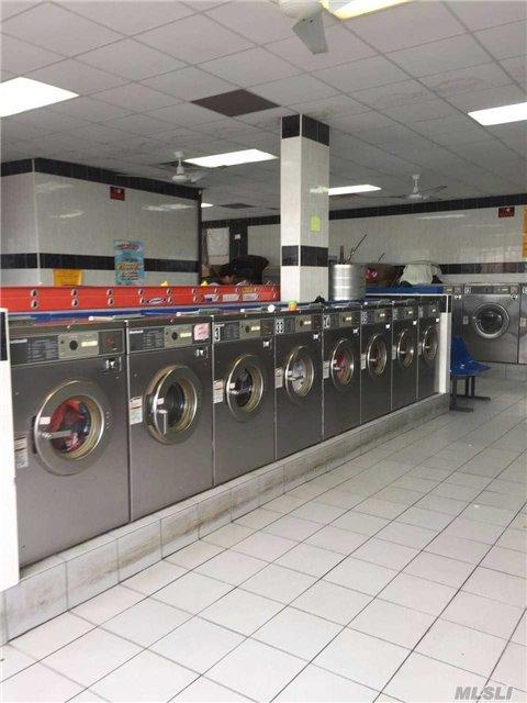 Laundromat, Ozone park